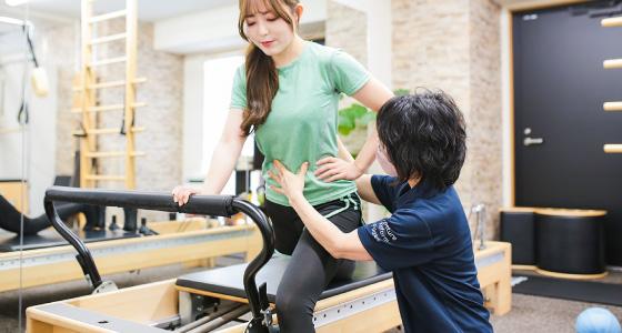 本格ピラティスでオーダーメイド姿勢矯正・改善